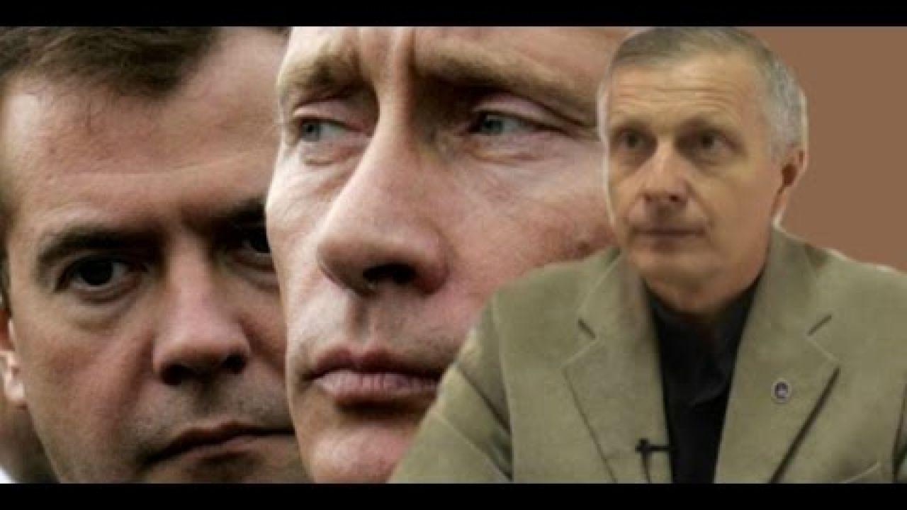 Почему Медведев не хотел уступать место Путину